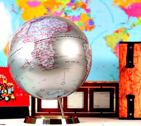 bola del mundo color plata